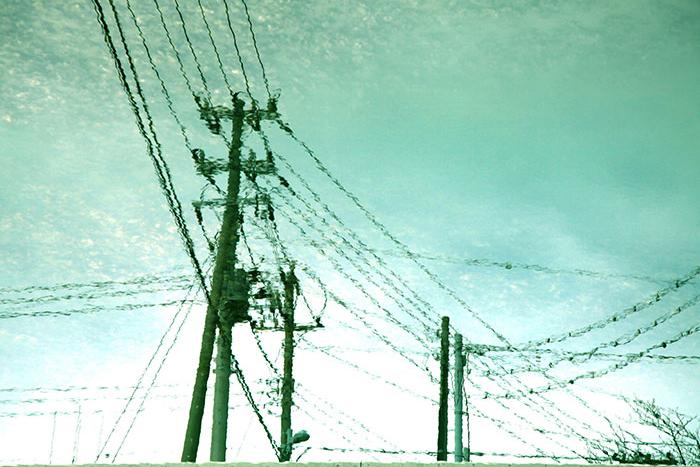 電柱,水たまり,不安