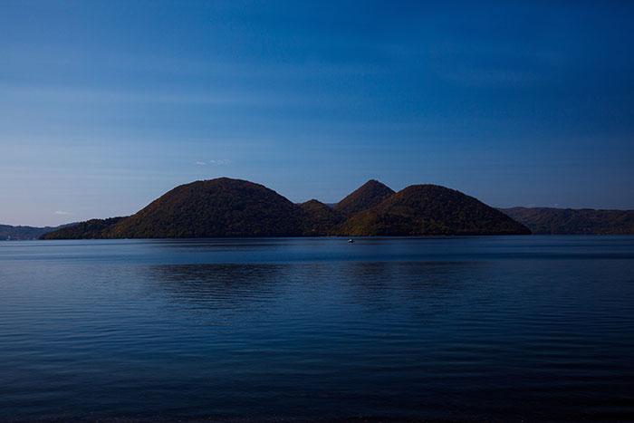 支笏湖,中島